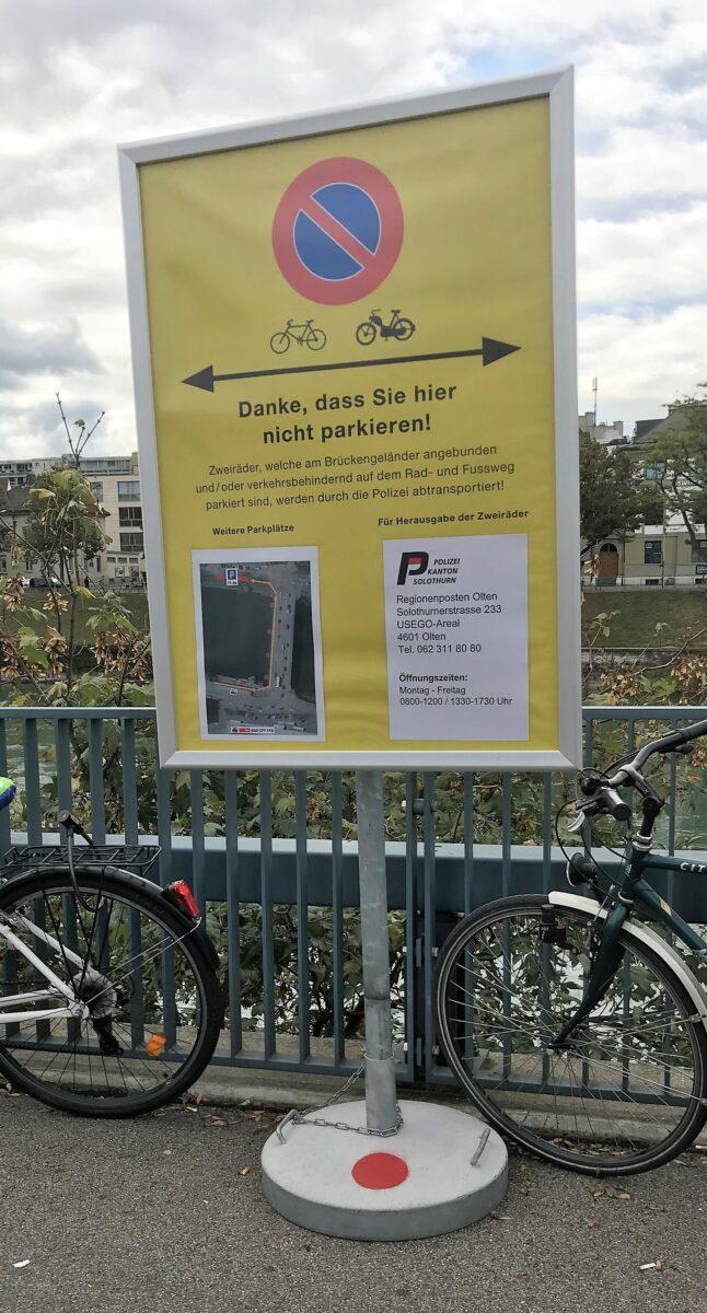 Fahrräder auf Aarebrücke in Olten!
